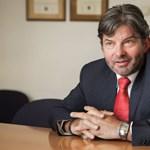Európai szervezetben kapott fontos állást Fekete-Győr András itthon kirúgott apja