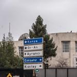 Rálőttek az amerikai nagykövetségre Ankarában