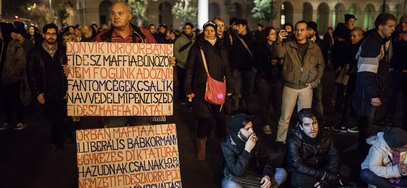 """Akiktől visszarettent Orbán: """"Az elsőtüntetők"""""""