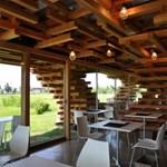 Ilyen egy jenga kávéház Japánban