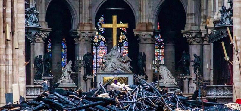 Egymilliárd euró gyűlhetett össze a Notre-Dame megmentésére