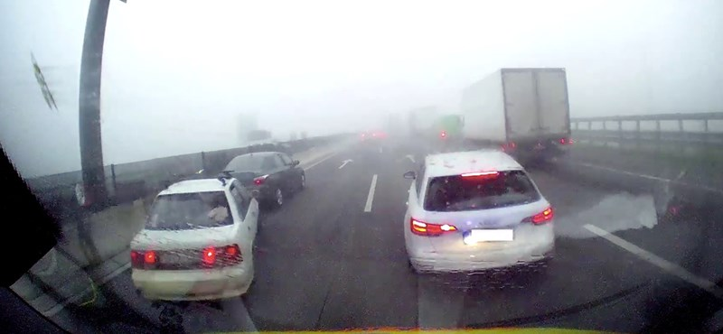 Befékezett az Audi sofőrje a balesethez igyekvő mentőautó előtt az M0-áson – videó