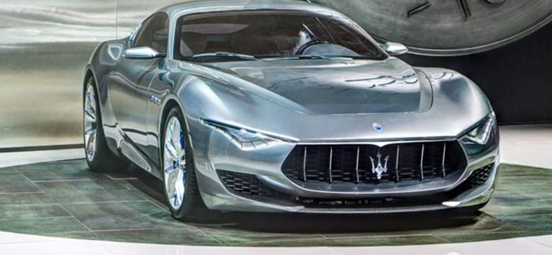 A Maseratit is felültetik a villanyvonatra