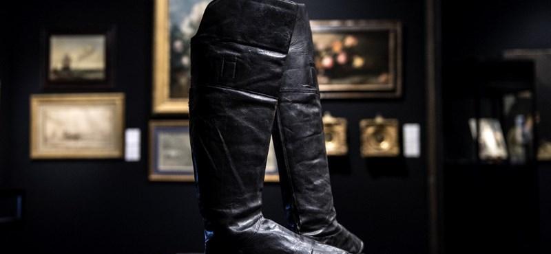 117 ezer euróért vették meg Napóleon csizmáját