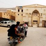 Járványok, lövöldöző őrök – illegális migránsok szabadon engedését kéri az ENSZ Jementől