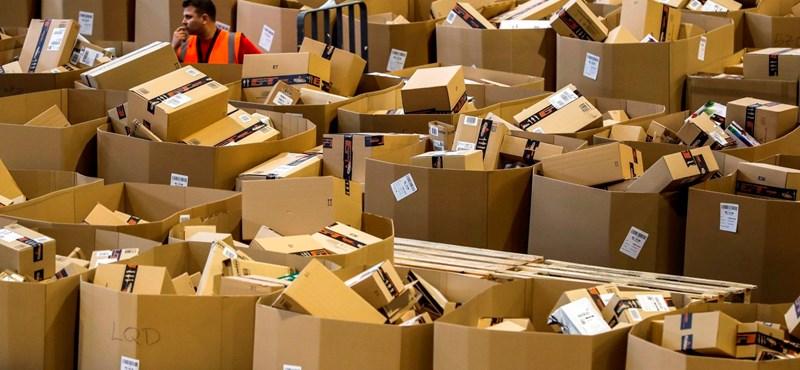 Heteket kell várni, mire házhoz viszik a külföldi csomagokat