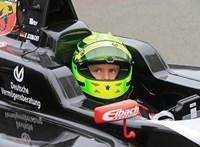 Schumacher 19 éves fia tesztpilóta lehet a Ferrarinál