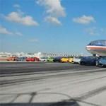 Gyorsabb a felszálló repülőgépnél a Lamborghini Aventador - videó