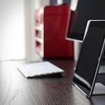 Végletekig letisztult minimalista iPad tartó
