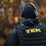 TEK: Nem támadt a rendőrökre a férfi, aki intézkedés közben meghalt