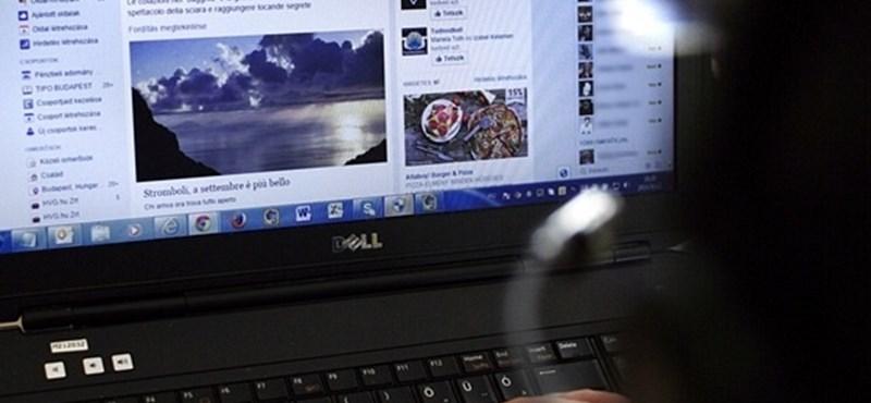 Változik a Facebook, jön az élő kommentelés