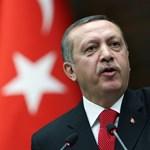 Újra lecsapott Erdogan ökle, 23 katona sohasem szabadulhat