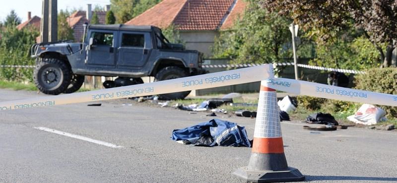 Szakértő: Padlógázzal ütötte el a rendőrt az osztrák hummeres
