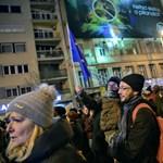 A rendőrség megállapította: nem szabálysértés egy tüntetésen lelépni a járdáról