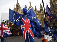 Északír politikusokon bukhat a Brexit-egyezség