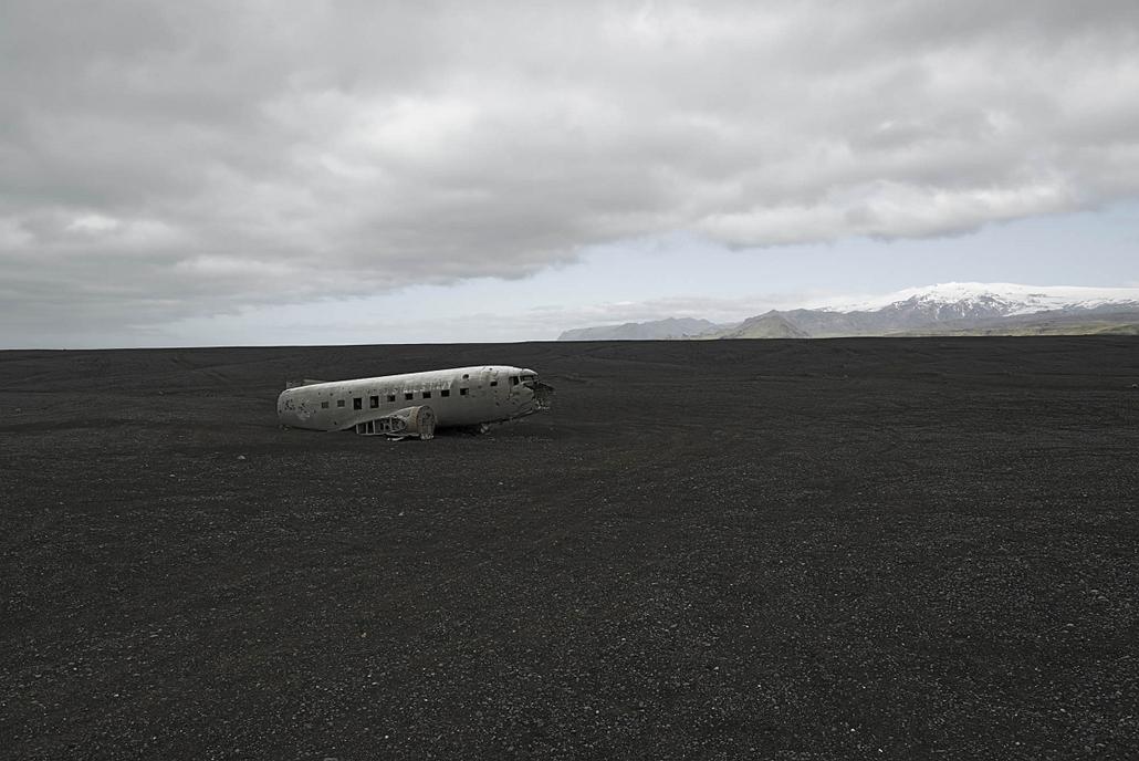 NE HASZNÁLD!! nagyításhoz kértük a fotóstól - e. lezuhant repőlő, happy end - happy end 7 1, Douglas C-47 R4D-8, Nov 1973, Iceland