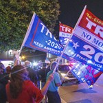 Trumpék máris négy pert indítottak a szavazatszámlálás miatt