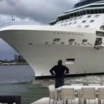 Majdnem a házukba hajtott egy óriási hajó, a teraszról kiabáltak neki – fotó, videó