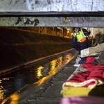Polgárőrök is járják az utakat, segítenek a fagyoskodóknak
