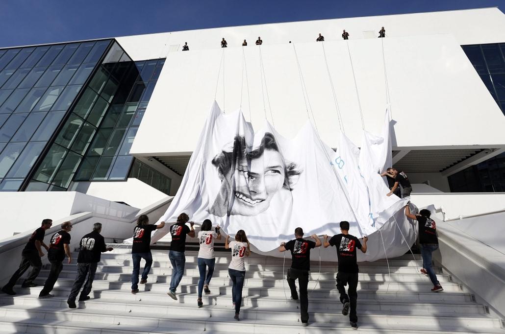 epa.15.05.13. - Cannes, Franciaország: előkészületek a 68. Cannes-i filmfesztiválon - Ingrid Bergman, 7képei