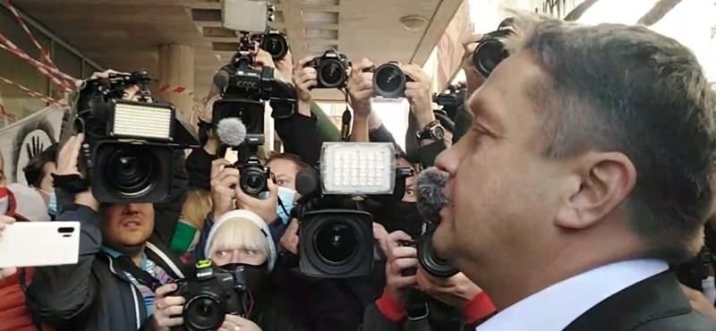 Szarka Gábor megpróbált bejutni az SZFE Vas utcai épületébe