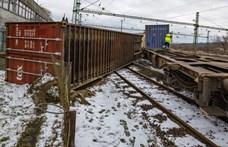 Kisiklott és részben az oldalára dőlt egy tehervonat Murakeresztúron