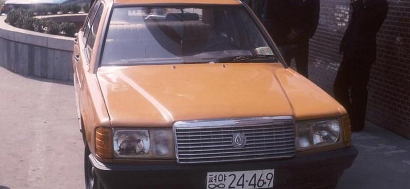 Látta már az Észak-Korea által egyszerűen lemásolt Mercedest? Mutatjuk