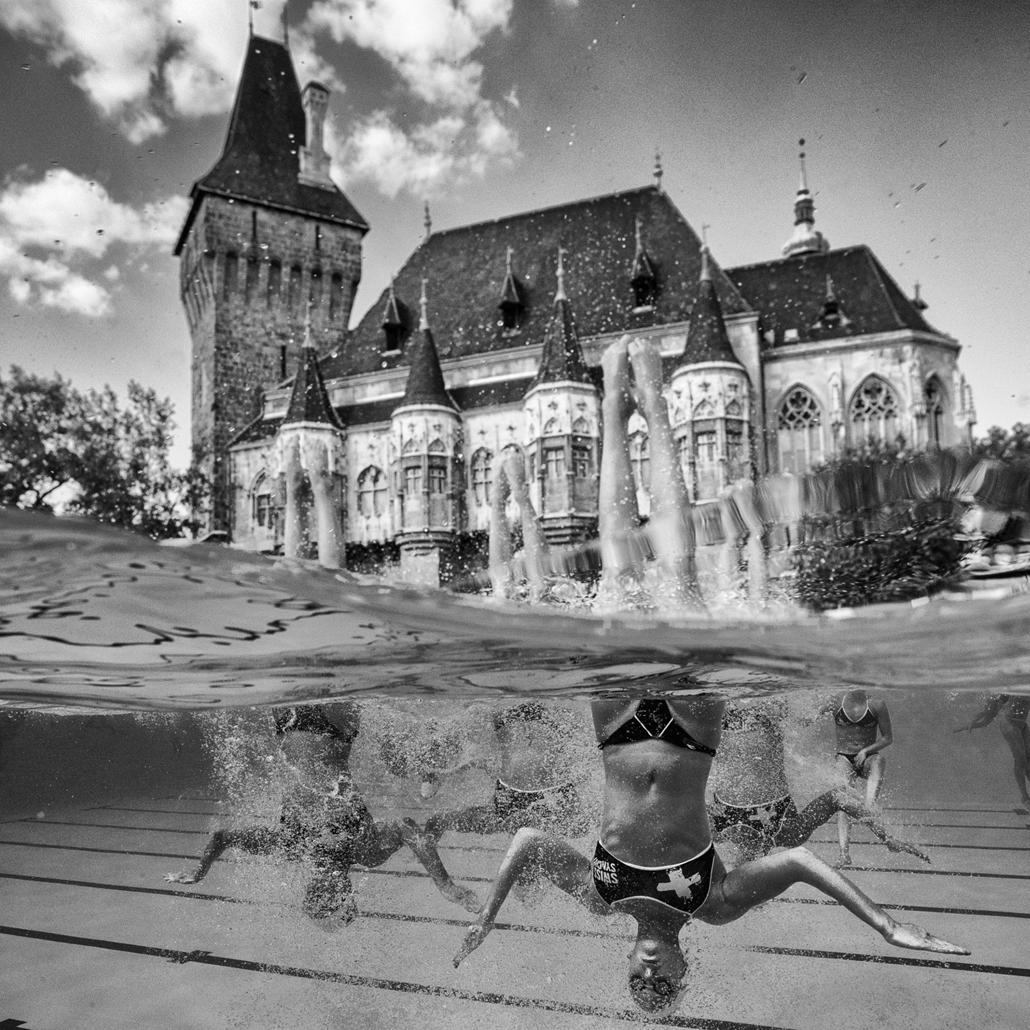 epa.17.07.17. - A svájci csapat a szinkronúszás technikai selejtezőjében a Városligetben július 17-én. - fina vizes vb