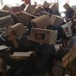 Puskázás ellen kartondoboz a diákok fejére – meglepő módszert talált ki egy tanár (fotó)