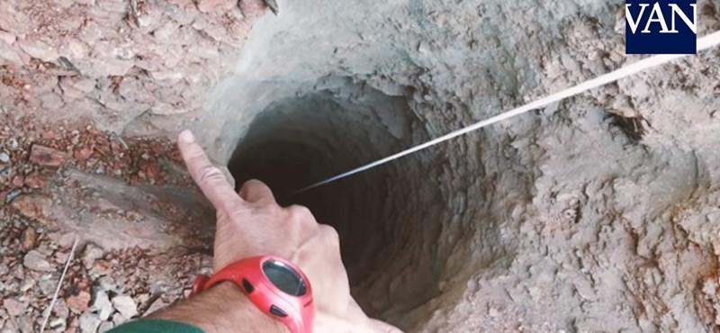 100 méter mély kútba zuhant egy kisfiú Spanyolországban