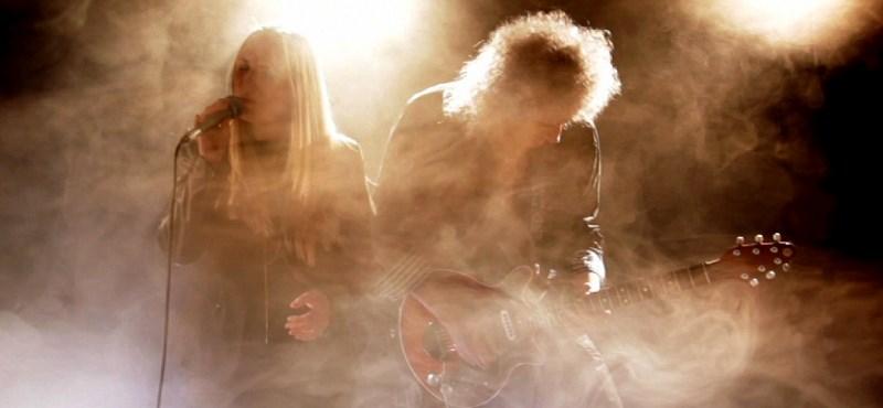 Budapesten ad koncertet a Queen gitárosa