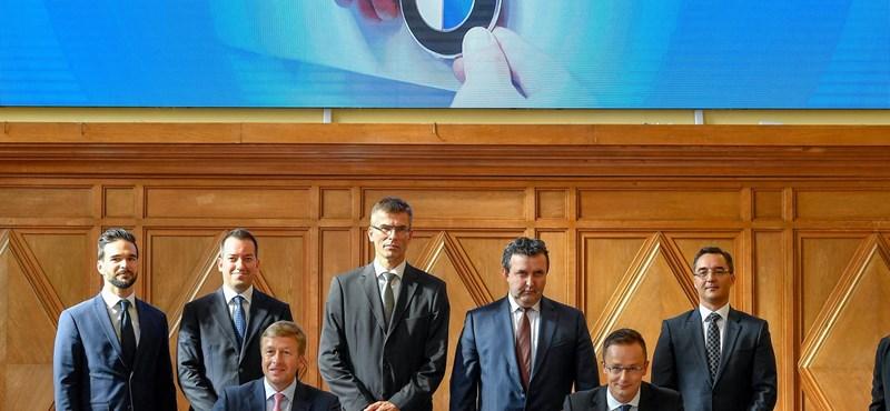 Aláírták a BMW-szerződést Debrecenben