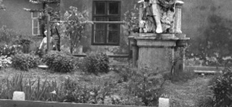 Most vásárolhat akár André Kertész-fotót is