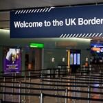 Jönnek a színkódok: új utazási szabályokat vezetnek be Angliában a járványhelyzet miatt