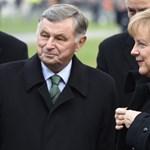 """Merkel hatalmasatt bakizott: """"Az antiszemitizmus állami és polgári kötelességünk"""""""