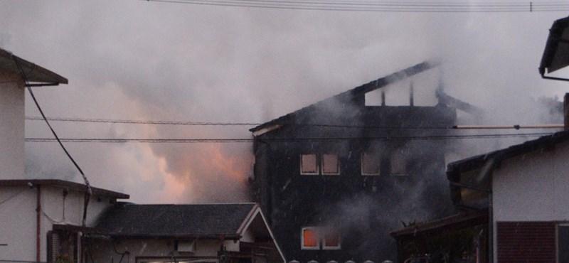 Lakóházakra zuhant egy katonai helikopter Japánban