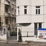Jó a sógoroknak: az új otthonok harmada szociális lakás