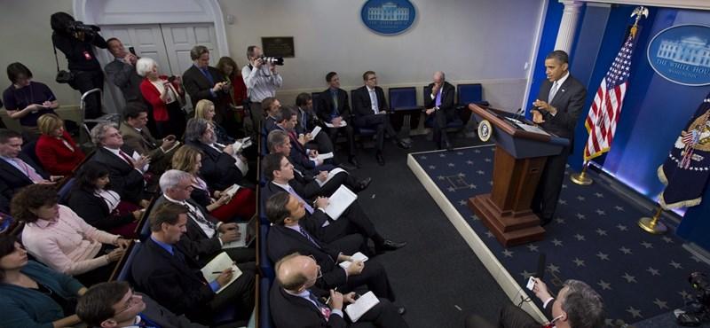 Iskolai mészárlás: Obama nekimegy a fegyvereseknek