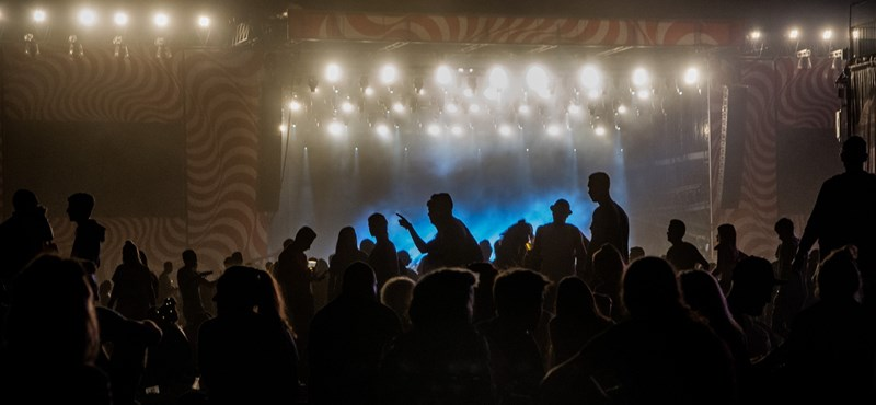 Egy friss kutatás elmondja, miért költünk vagyonokat a koncertjegyekre