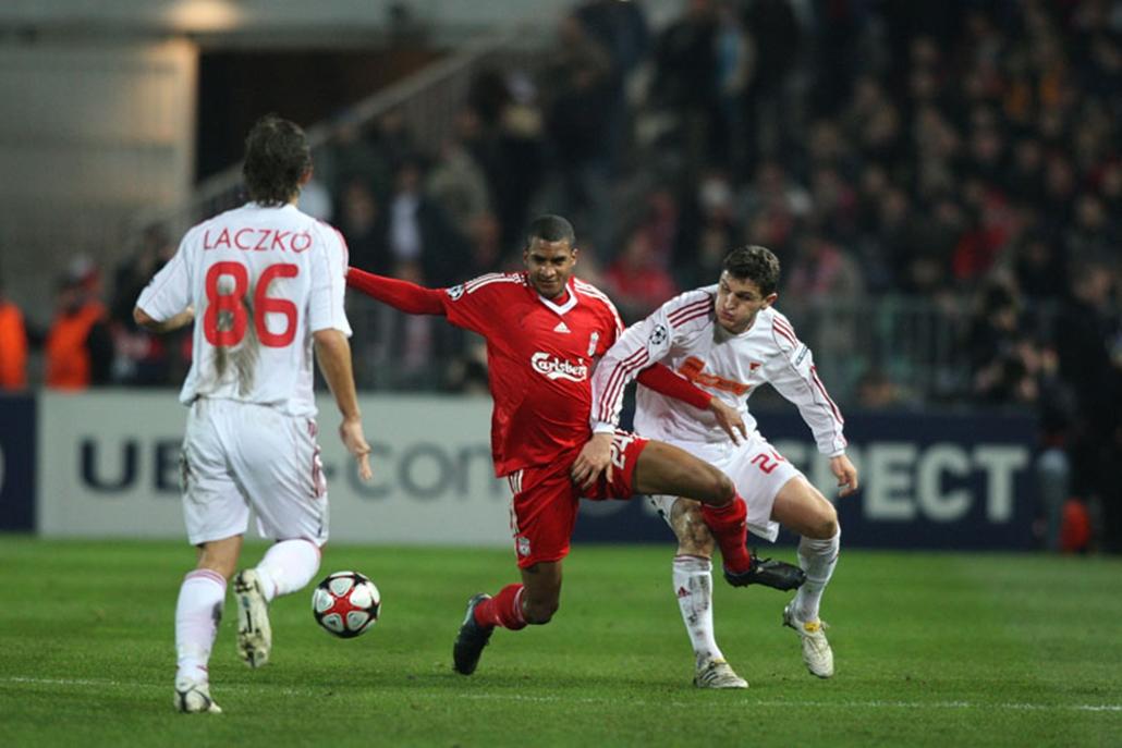 Erősen kezdett a Liverpool, korán betalált és a fölénye is nyomasztó volt a Debrecen ellen. A második félidőre kiegyenlítettebb lett a játék, a hajrában pedig benne volt az egyenlítés lehetősége is. Akárcsak az Anfield Roadon, Budapesten is 1-0-ra nyert az angol csapat.