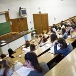 A kormány saját elemzései szerint is katasztrófahelyzetben van a középfokú és felsőoktatás