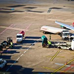 Meghalt a férfi, aki annyira büdös volt, hogy miatta kellett leszállnia a repülőnek