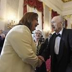 Marton Éva és Makkai Ádám kapta a legmagasabb állami kitüntetést