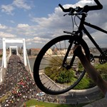 Elárasztotta Budapestet a Kritikus Tömeg - Fotókkal