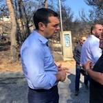Az erdőtűz túlélőivel találkozott a görög miniszterelnök