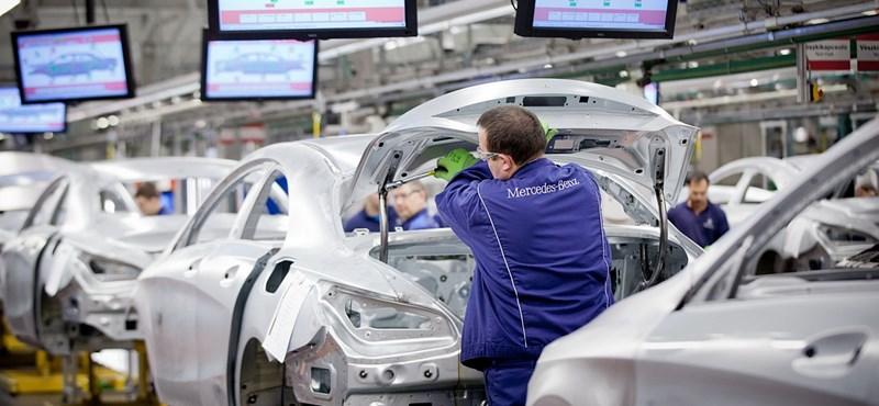 A Mercedes felfüggesztette a kecskeméti gyár bővítését