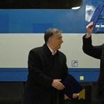 Orbán miatt vett milliós bútorokat Gaskó az irodájába