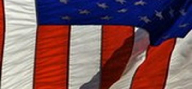 Amerikai vízummentesség - elkészült az ESTA magyar verziója