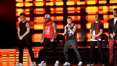 Egy egész metrószerelvény utasait megénekeltette a Backstreet Boys