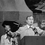 A nap, amikor Bush elnök lehányta a japán miniszterelnököt